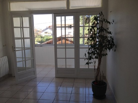 location appartement 3 pi�ces, 56m habitables, � AMBILLY