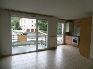 Location  SAINT CERGUES appartement 2 pieces, 47m2 habitables, a SAINT CERGUES