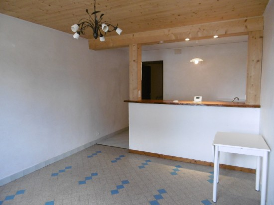 location appartement 2 pièces, 42m habitables, à MACHILLY