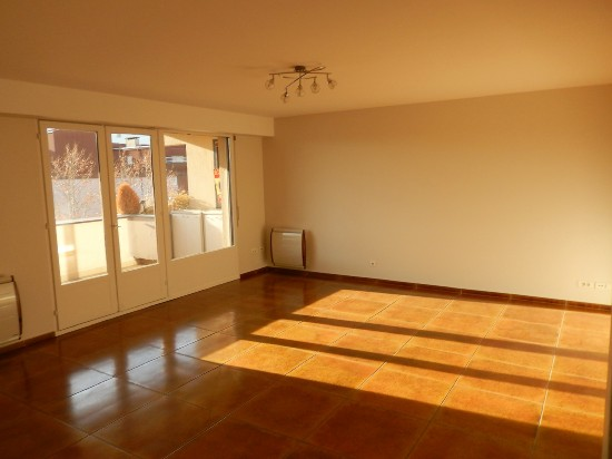 location appartement AMBILLY 3 pieces, 75m