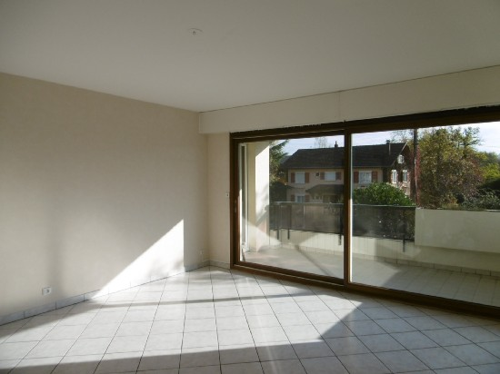 location appartement AMBILLY 2 pieces, 56m
